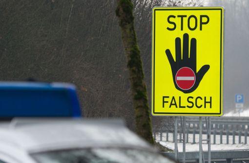 Polizei stoppt betrunkenen Falschfahrer