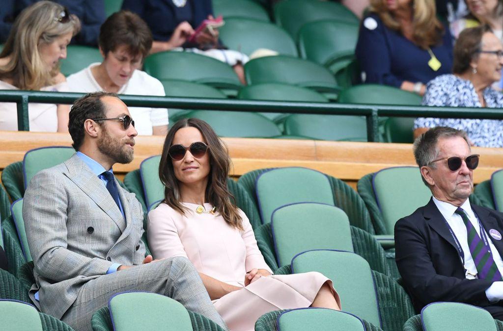 """Sie gehören in die """"Royal Box"""" wie die Erdbeeren mit Sahne zu Wimbledon: Pippa und James Middleton, die Geschwister von Herzogin Kate. Foto: AFP"""