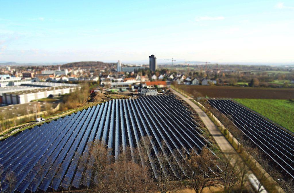 Die Sonnenkollektoren am Römerhügel  liefern Energie für 350 Haushalte. Foto: z/SWLB