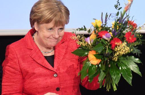 Landes-CDU wählt Merkel zur Spitzenkandidatin