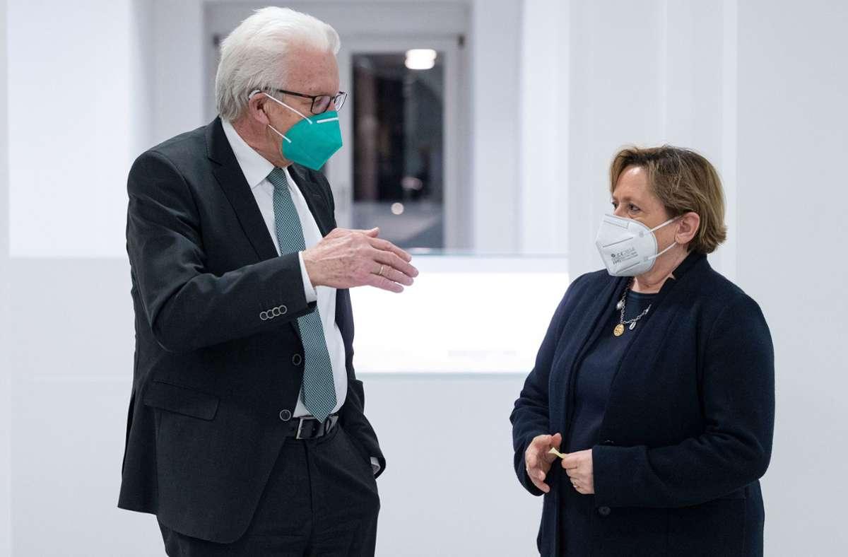Winfried Kretschmann (Grüne) und Susanne Eisenmann duellierten sich beim SWR (Archivbild). Foto: dpa/Marijan Murat