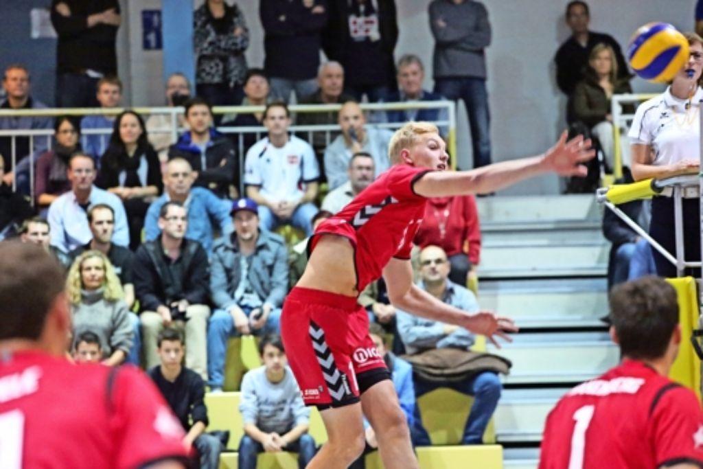 Beach-Ass mit Spaß am Teamvolleyball in der Halle: Tim Holler gehört wieder zum Zweitliga-Aufgebot des SV Fellbach. Foto: Patricia Sigerist