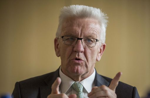 Kretschmann will Fußballvereine in die Pflicht nehmen