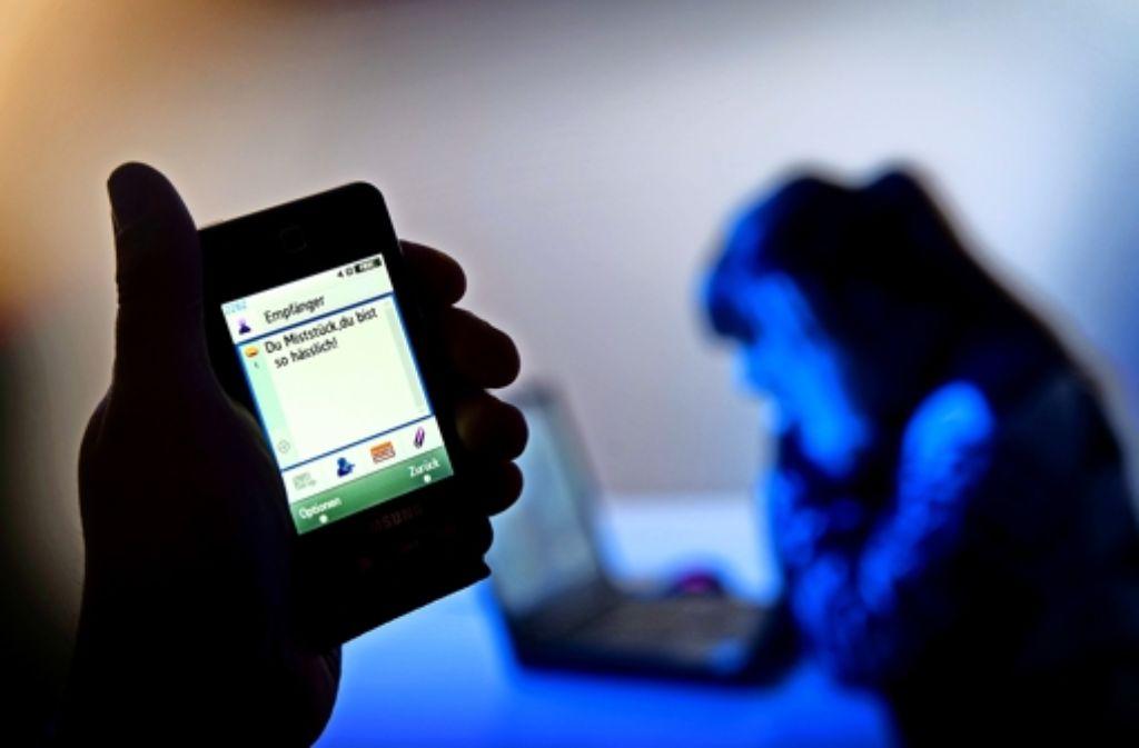 Es sind nicht immer nur die Außenseiter, die im Internet gemobbt werden. Und auch sozial gut integrierte Jugendliche werden gelegentlich zu Tätern. Foto: