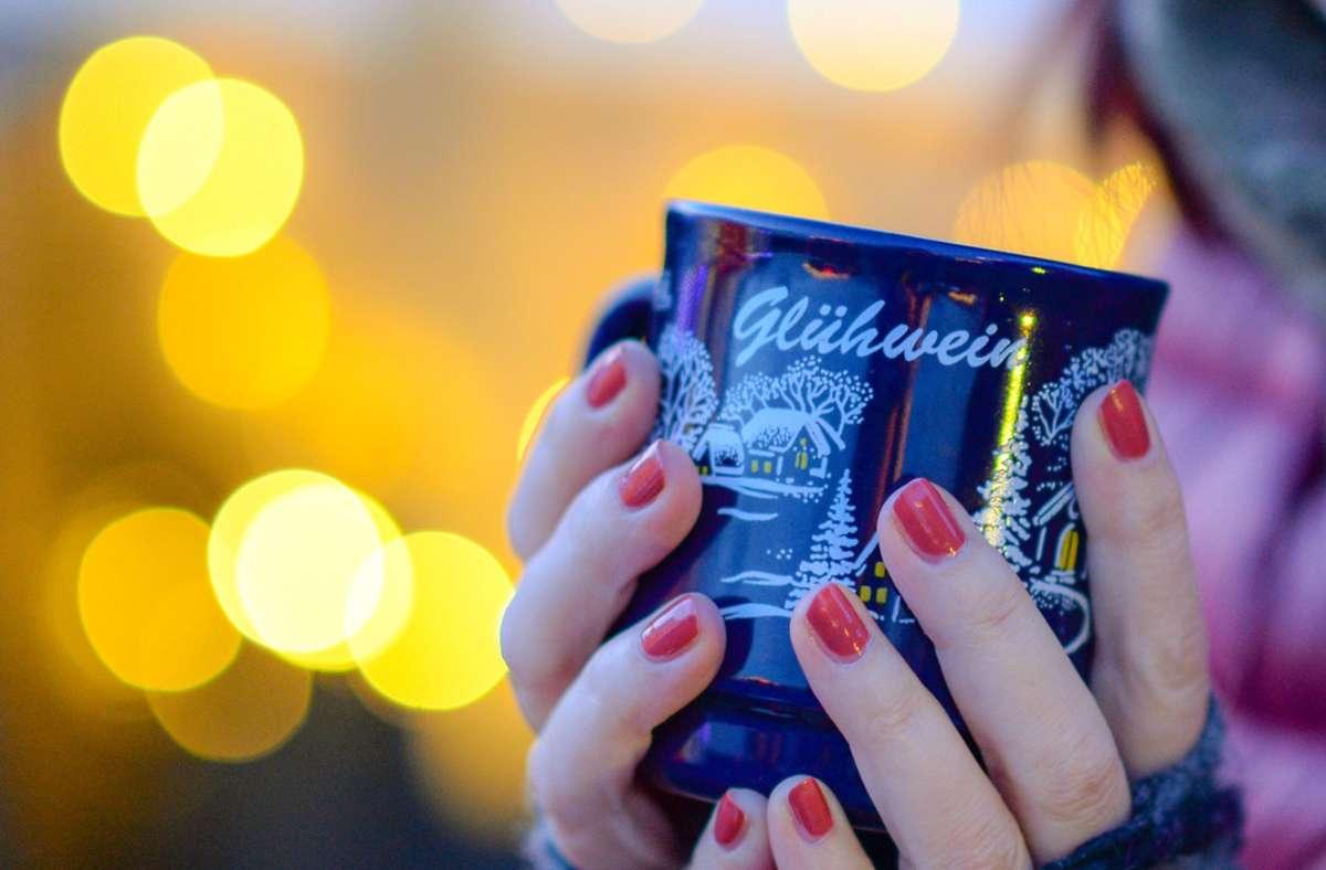 Neu in der Verordnung sind auch Planungen zum Ausschank von Alkohol auf Weihnachtsmärkten. Foto: dpa/Jens Kalaene