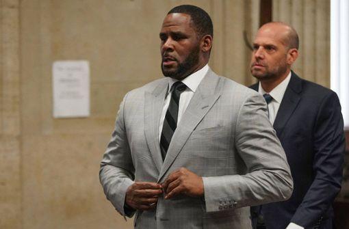 Ex-Superstar R. Kelly plädiert auf nicht schuldig