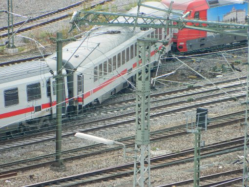 Intercity in Stuttgart entgleist