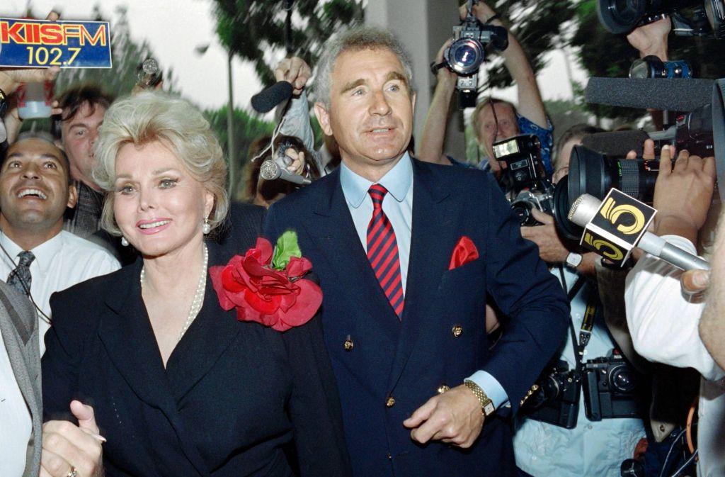 Zsa Zsa Gabor und ihr Ehemann Prinz Frederick von Anhaltim September 1989. Foto: AFP