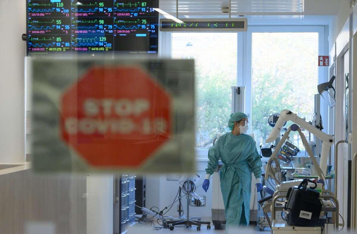 Der Anstieg der Covid-19-Patienten auf Intensivstationen hat sich in letzter Zeit verlangsamt. Foto: dpa / Robert Michael