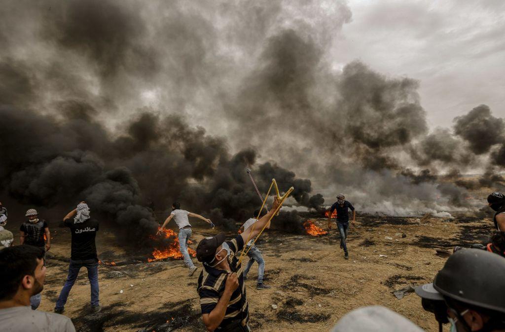 Bei erneuten Konfrontationen an der Gaza-Grenze sind zahlreiche Menschen verletzt worden. Foto: dpa