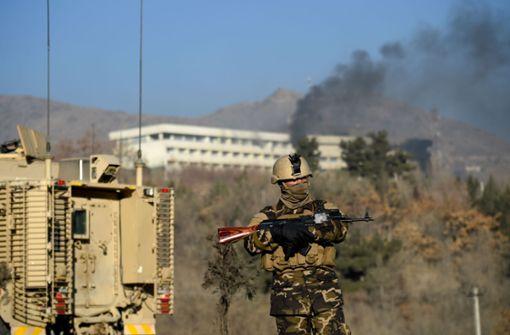 Vier Afghanen und 14 Ausländer sterben
