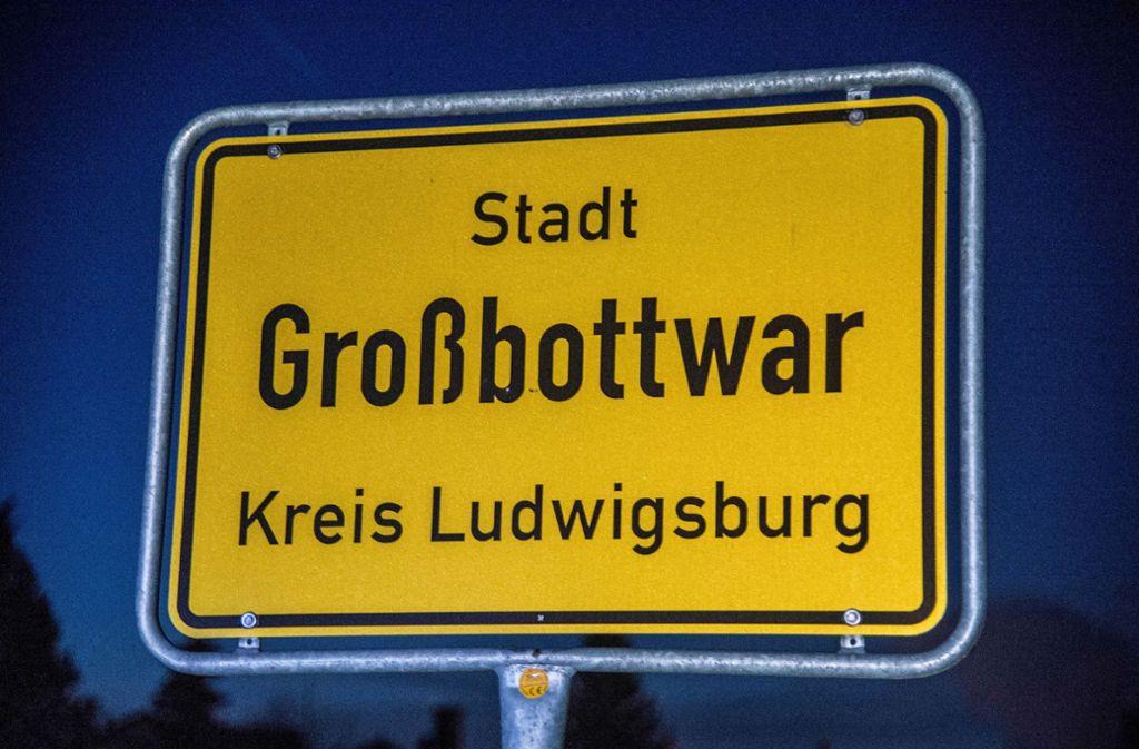 Das Ortsschild von Großbottwar ist gleich zwei Mal gestohlen worden. Foto: SDMG