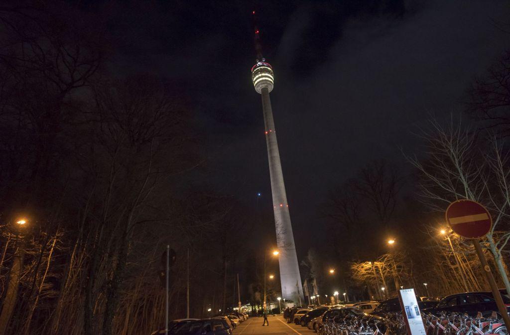 Wer den Jahreswechsel auf dem Fernsehturm erleben will, sollte nicht zu spät dran sein. Foto: 7aktuell.de   Oskar Eyb