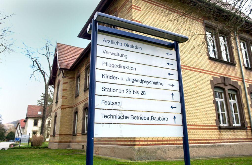 Aus dem Klinikum Weissenhof in Weinsberg ist am Donnerstag ein 52-jähriger Gewalttäter entkommen und  noch auf der Flucht. Foto: dpa