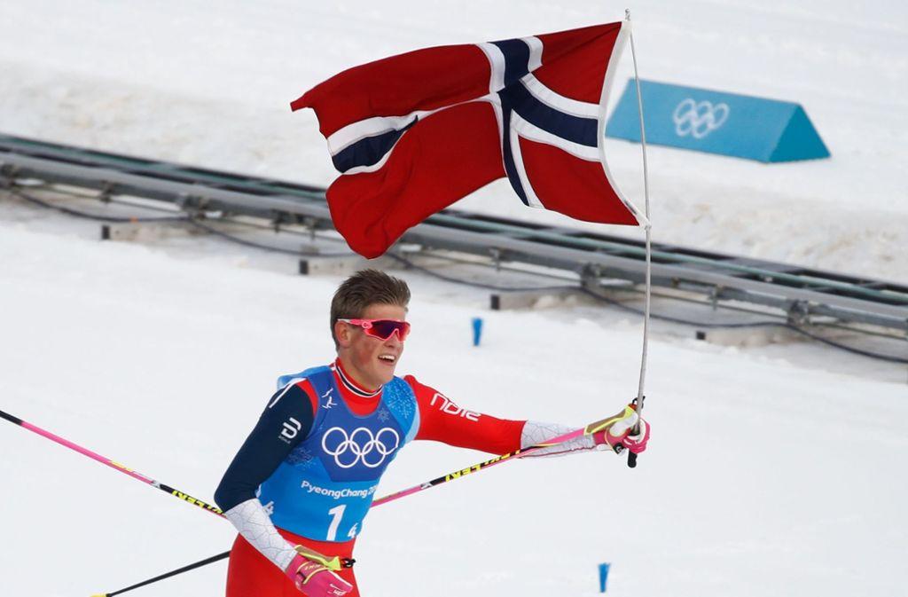 Norwegens neuer Langlaufheld Johannes Kläbo Foto: AFP