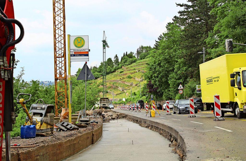 Der neue Gehweg soll durchgehend 2,50 Meter breit sein. Foto: Tilman Baur
