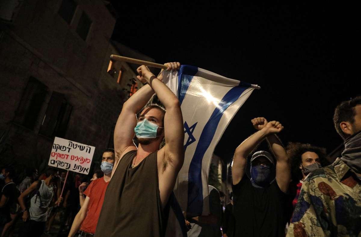 Die Proteste gegen das Krisenmanagement der Regierung nehmen zu. Foto: dpa/Ilia Yefimovich