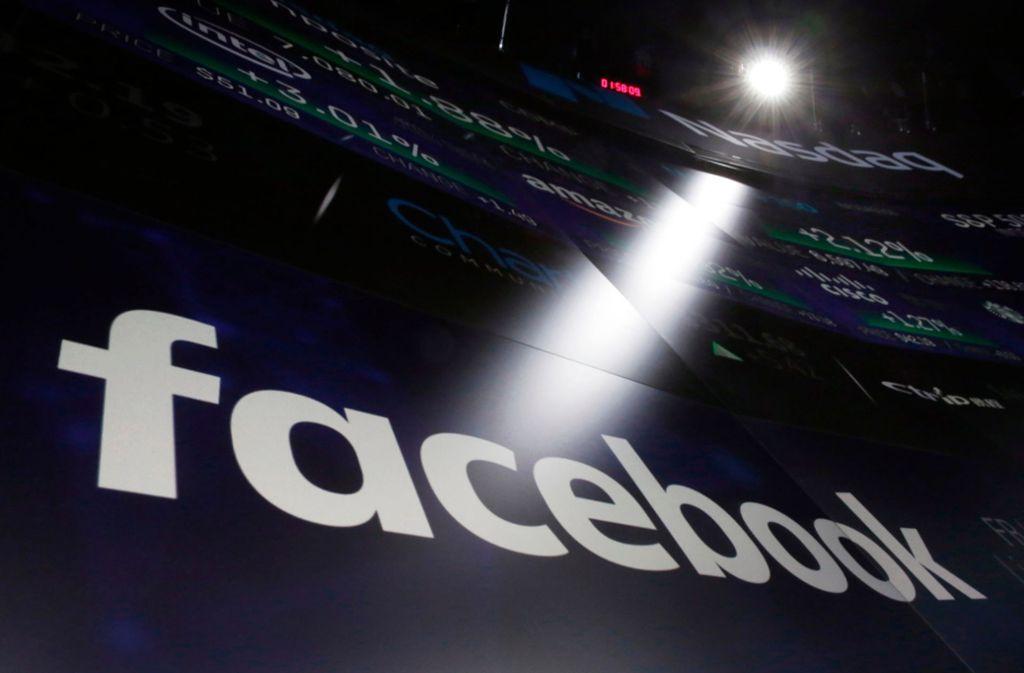Facebook ist durch den aktuellen Datenskandal unter Druck. Foto: AP