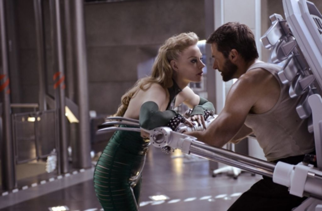 Schau mir in die Augen, Struppi: Wolverine (Hugh Jackman, r.) ist vorübergehend einer Feindin (Svetlana Khodchenkova) ausgeliefert. Foto: Twentieth Century Fox