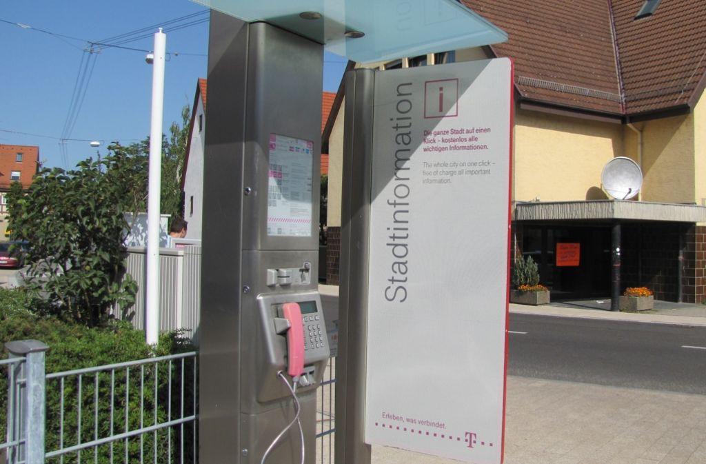 Das öffentliche Telefon an der Filderhauptstraße erwirtschafte weniger als 50 Euro pro Monat Umsatz, sagt die Telekom. Foto: Archiv Barnerßoi
