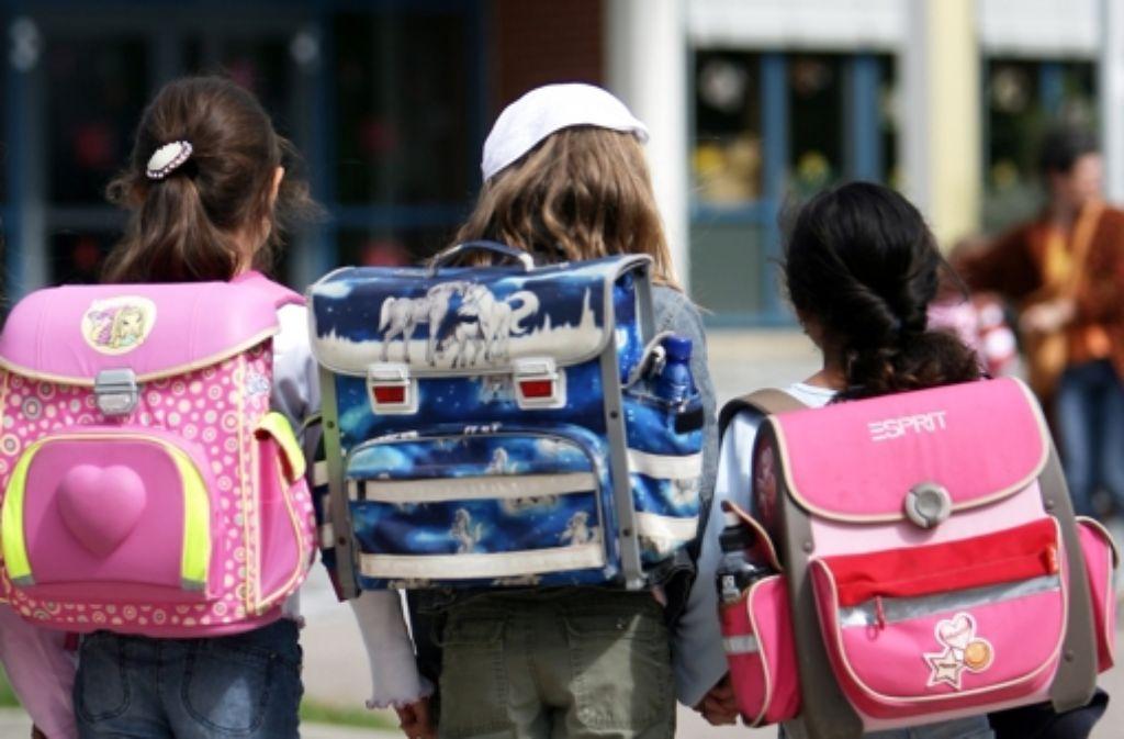 In der fünften Klasse wird's schwierig: Die Zahl der Sitzenbleiber ist gestiegen. Foto: dpa