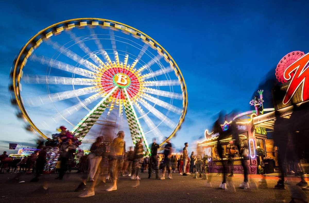 Bild aus besseren Tagen: Abendstimmung auf dem Frühlingsfest. Foto: dpa/Christoph Schmidt