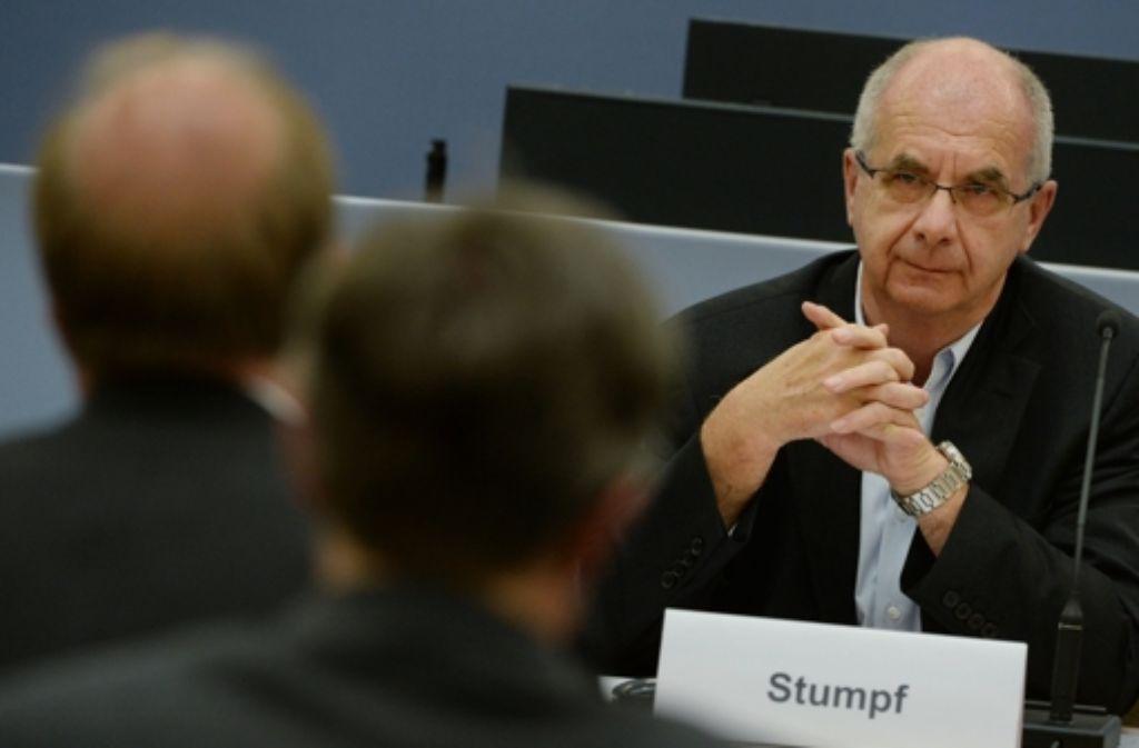 """Ex-Polizeipräsident Siegfried Stumpf hat wegen des sogenannten """"Schwarzen Donnerstags"""" einen Strafbefehl erhalten. Foto: dpa"""