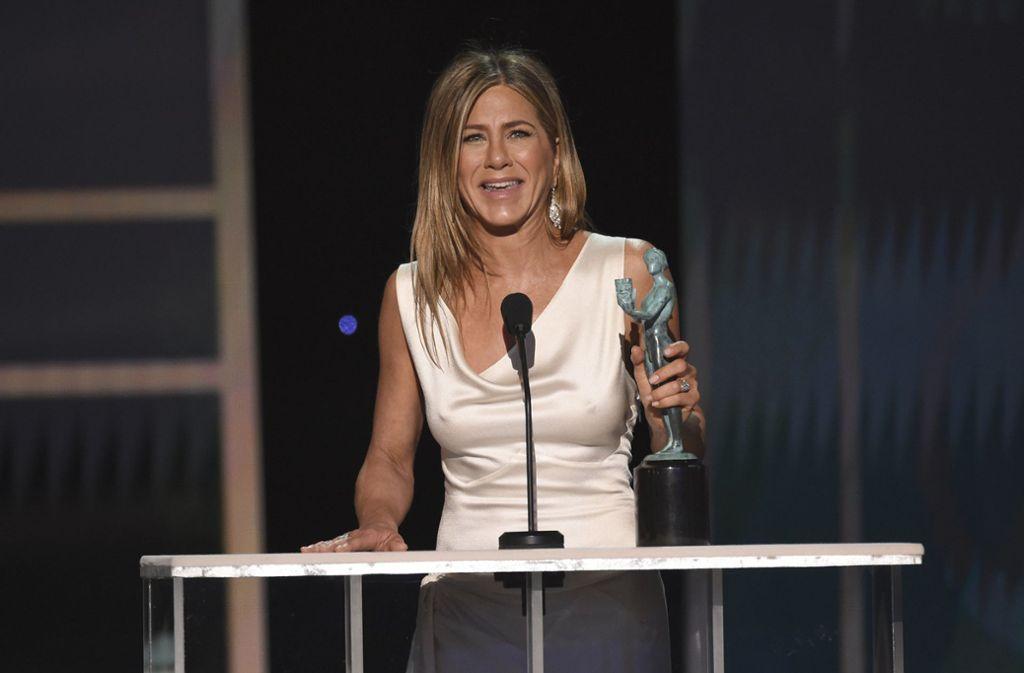 Knitterfrei und schick: Jennifer Aniston bei den SAG Awards. Foto: AP/Chris Pizzello