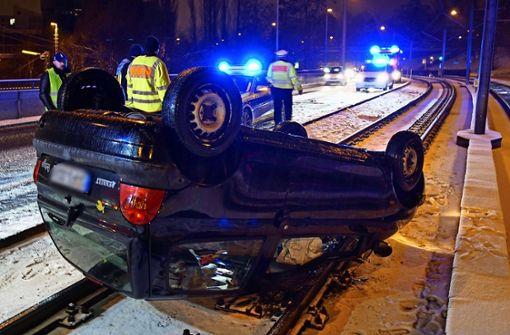 Unfälle wegen kurzem Wintereinbruch