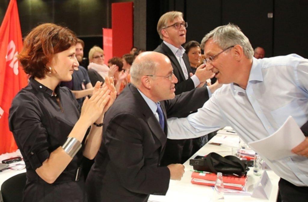 Linken-Fraktionschef Gregor Gysi (Mitte) mit den Parteichefs Katja Kipping und Bernd Riexinger Foto: dpa