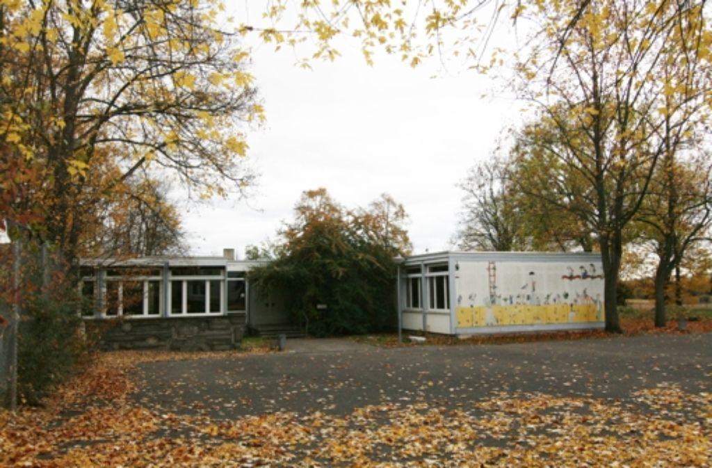 Die ehemalige Außenstelle der Grund- und Hauptschule wird abgerissen. Foto: Chris Lederer