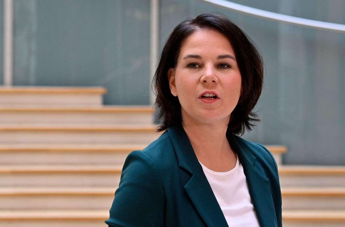 Hat an Zustimmung bei den Bürgern eingebüßt: Annalena Baerbock (Grüne). (Archivbild) Foto: AFP/JOHN MACDOUGALL