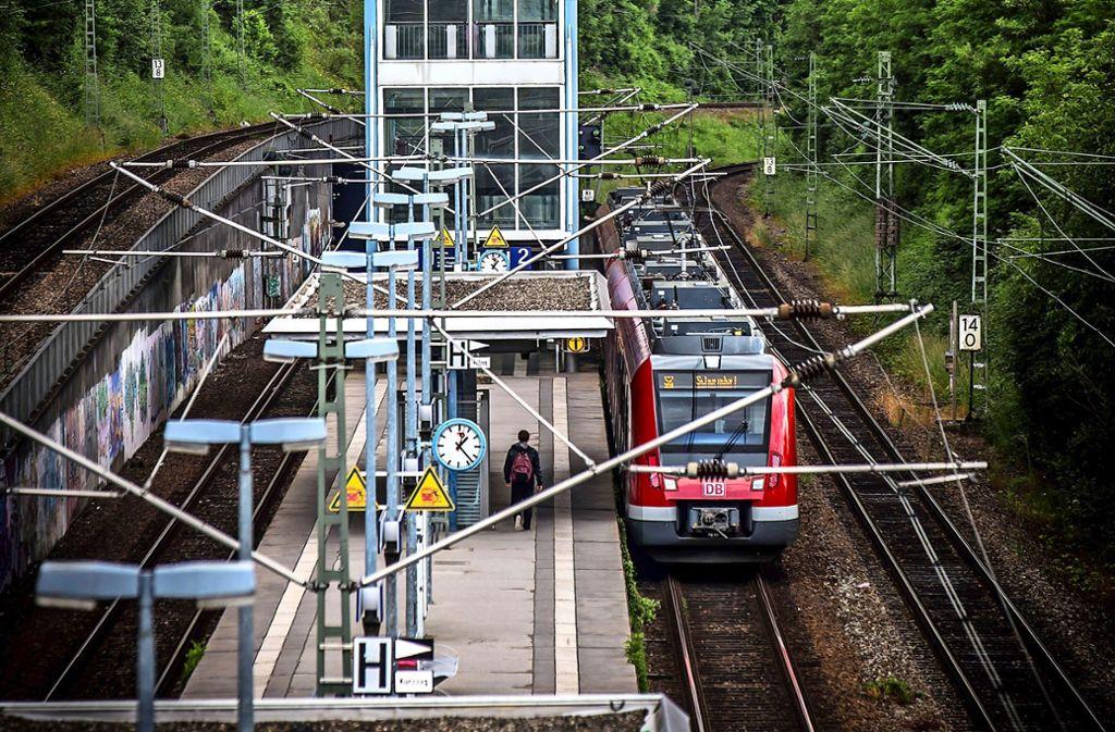 Der Vandalismus am S-Bahnhalt Österfeld hat die Deutsche Bahn 2018 etwa 20000 Euro gekostet. Foto: Archiv Achim Zweygarth