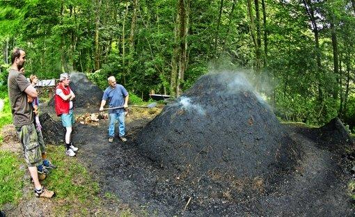 Die Kohlemeiler qualmen wieder
