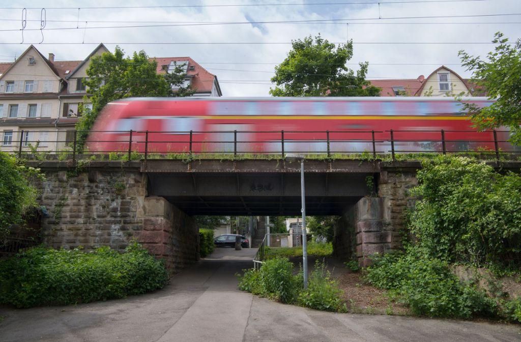 Für Baden-Württemberg hat ein Verband eine Liste mit insgesamt 600 Kilometern Bahnstrecke vorgelegt, die reaktiviert werden könnten (Archivbild). Foto: dpa