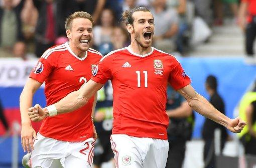 Wie Gareth Bale einem Fan die Nase bricht