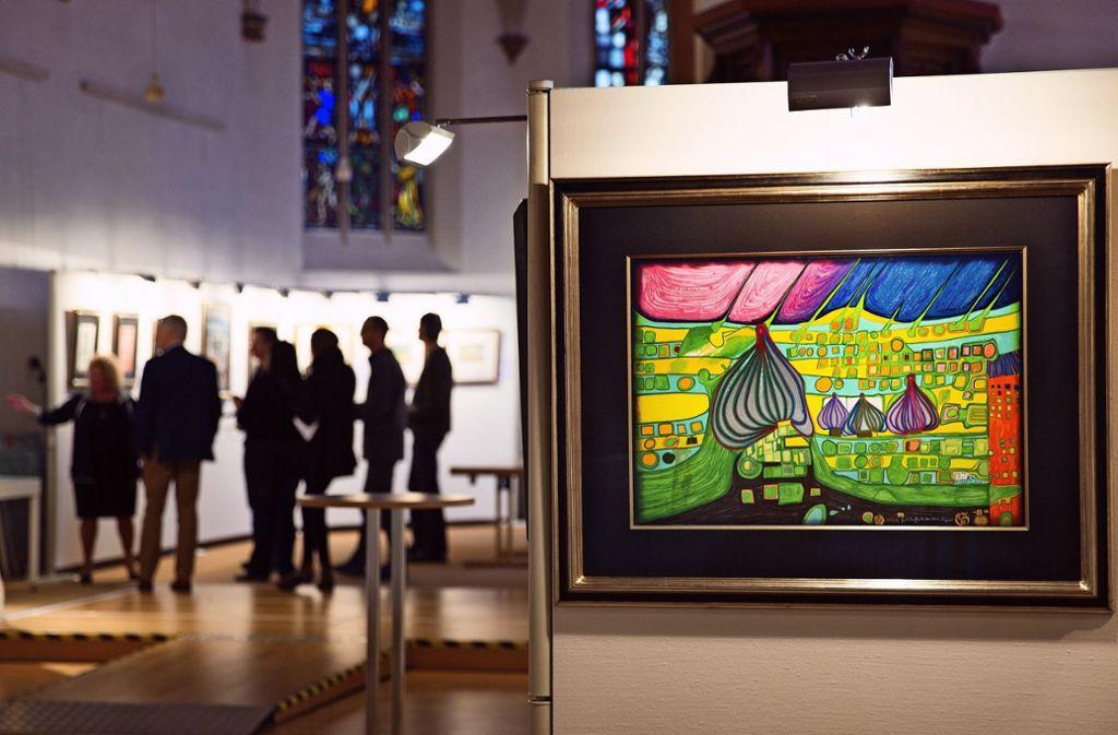 Die Bilder von Friedensreich Hundertwasser kommen im Ausstellungsort Kreuzkirche besonders gut zur Geltung. Foto: Ines Rudel