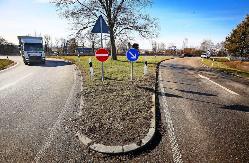 Dieser Anschluss von Müllerheim an die  B 10 wird weichen. Foto: factum/Granville