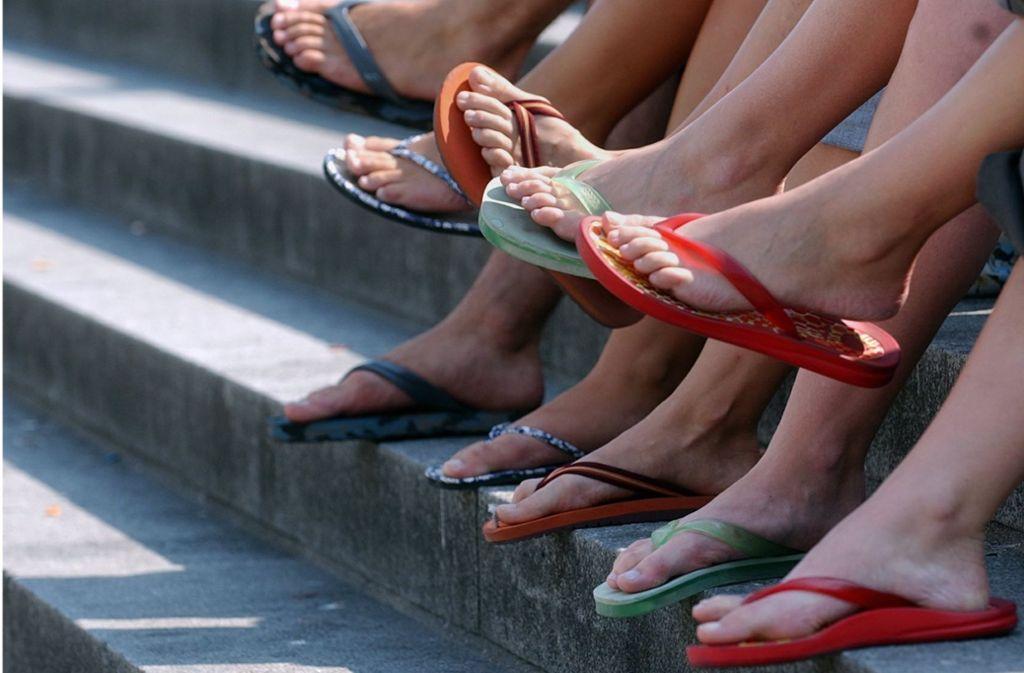 Jeder, der nicht mit richtigem Schuhwerk antrete, müsse mit Strafen zwischen 50 und 2500 Euro rechnen. Foto: dpa