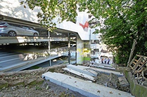 Auf neuen Granitstufen zur Römerstraße