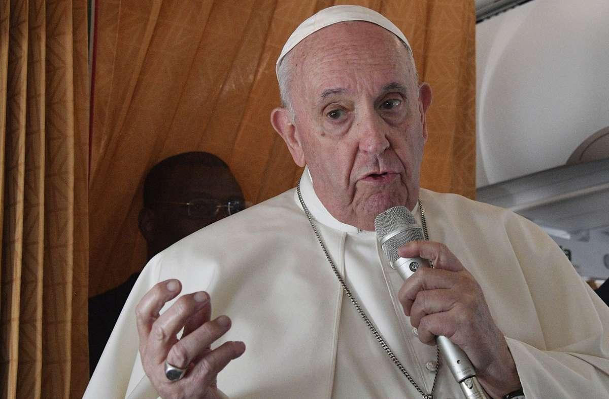 Papst Franziskus hat sich zu Abtreibungen geäußert. Foto: dpa/Tiziana Fabi