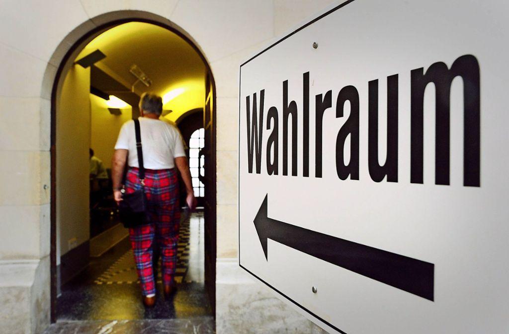 Der Gang ins Wahllokal steht in diesem Jahr in acht Städten und Gemeinden im Landkreis Esslingen im demokratischen Pflichtenheft des mündigen Bürgers. Foto: dpa