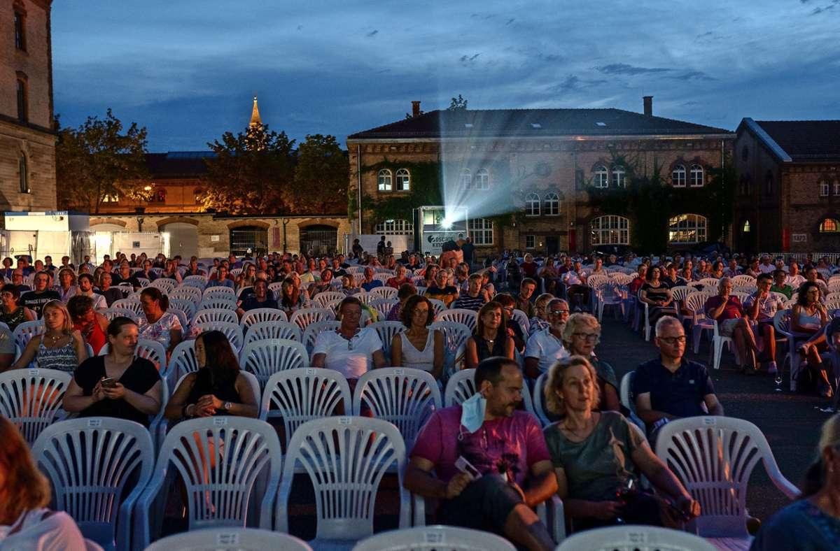 Freiluftkino mit Abstand: Am Samstag war Auftakt des Open-air-Kinos in Ludwigsburg. Foto: factum/Jürgen Bach