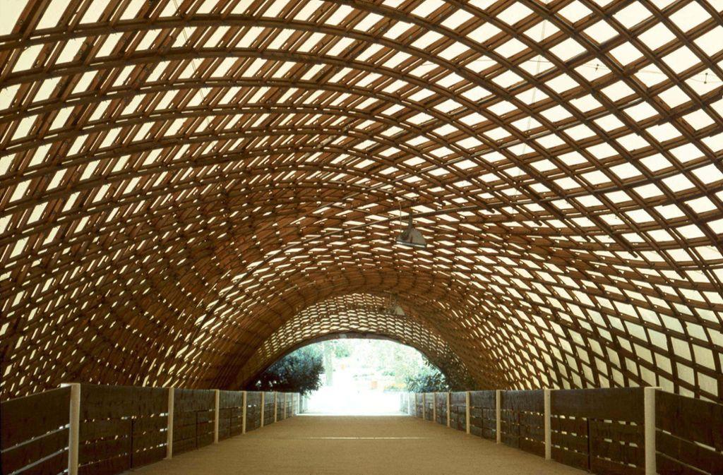 Das Schmuckstück im Mannheimer  Herzogenriedpark: die Multihalle mit dem leichten  Dach von Frei Otto Foto: Atelier Frei Otto, Warmbronn