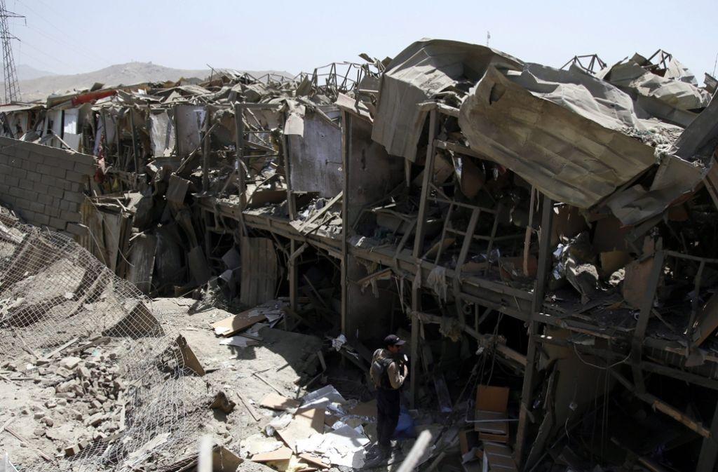 Das zerstörte Hotel in Kabul, das vor allem von ausländischen Beobachtern bewohnt wird. Foto: dpa