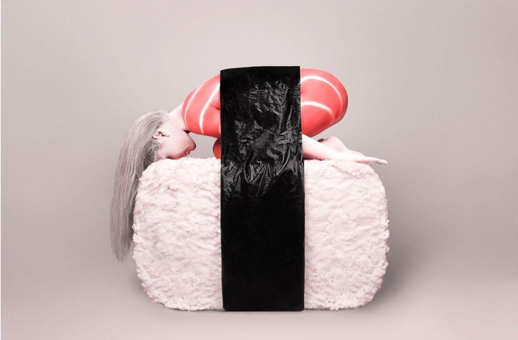 """""""Human Sushi"""" von Vince Voltage ist ab sofort in der Galerie Nieser zu sehen. Wo sie sonst noch in Stuttgart wieder Kunst kaufen können, verraten wir in unserer Bildergalerie. Foto: Galerie Nieser"""