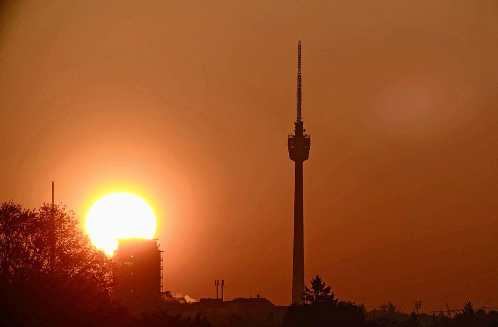 Seit dem 14. März dürfen keine Besucher mehr auf das Stuttgarter Wahrzeichen. Wann der Fernsehturm wieder öffnen kann, ist nicht absehbar. Foto: 7aktuell.de/David M. Skiba