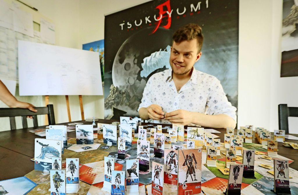 """Drei Jahre lang hat Felix Mertikat an seinem Spiel """"Tsukuyumi"""" gearbeitet. In etwa 300 Spielrunden hat er es mit mehr als 600 Mitspielern auf Herz und Nieren geprüft und mögliche Fehlerquellen ausgemerzt. Nun hofft er auf finanzielle Unterstützung. Foto: factum/Granville"""
