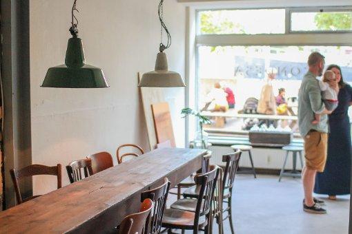 Das Café Condesa am Marienplatz setzt auf Reduktion - in jeder Hinsicht. In der folgenden Bilderstrecke zeigen wir Eindrücke von der Kurzzeit-Lokalität. Foto: www.7aktuell.de | Robert Dyhringer