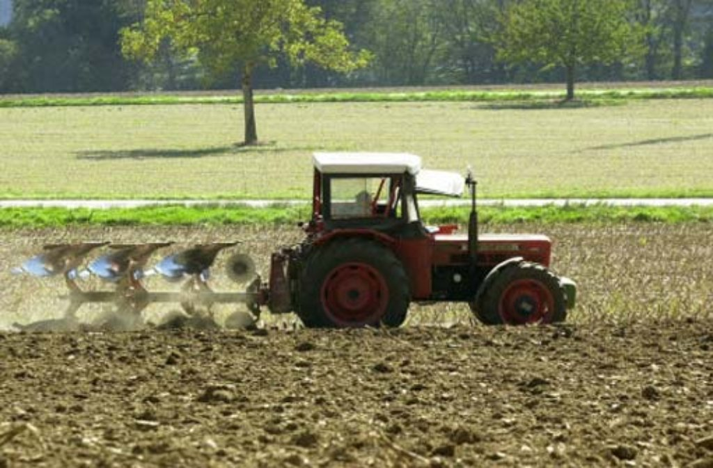 Bauern in Baden haben ihre Äcker unwissentlich mit giftigem Papierschlamm gedüngt. Foto: dpa/Symbolbild